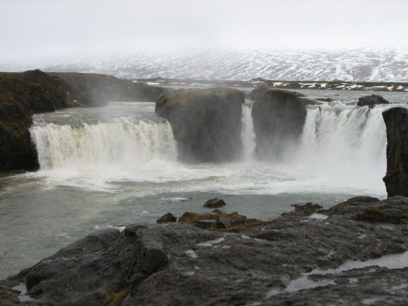 Island - Wasserfall
