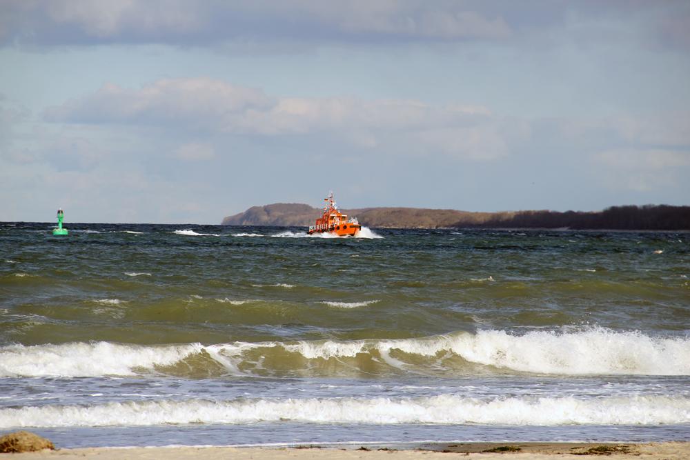 Lotsenboot auf der Ostsee